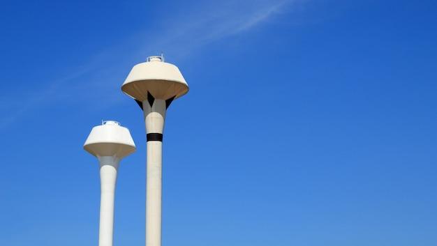 Grand réservoir de stockage d'eau d'alimentation