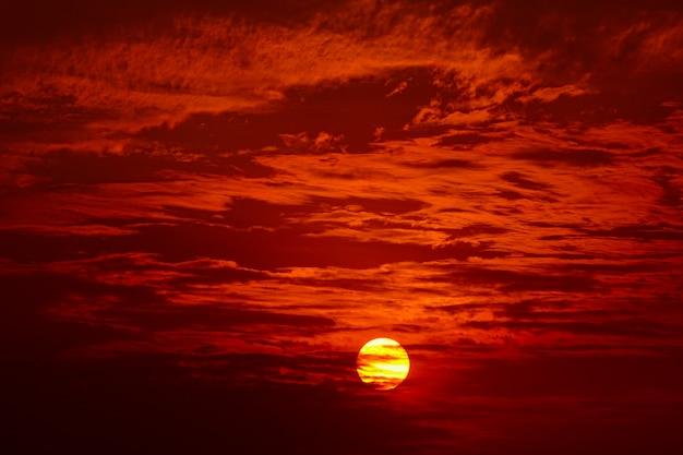 Grand soleil, coucher de soleil