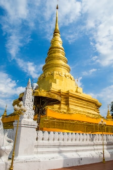 Grand stupa doré