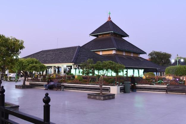 La grande mosquée de demak en indonésie une mosquée historique