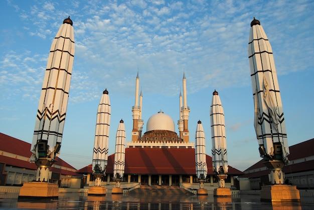 Grande mosquée du centre de java, semarang, indonésie