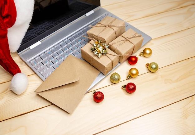 Grande vente en vacances d'hiver. utilisation de la carte de crédit pour la boutique internet. noël