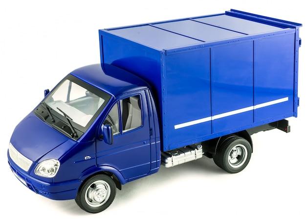 Grande voiture en plastique de jouet pour enfants avec isolé sur blanc