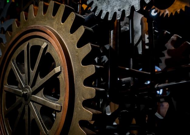 Grandes roues dentées dans le moteur
