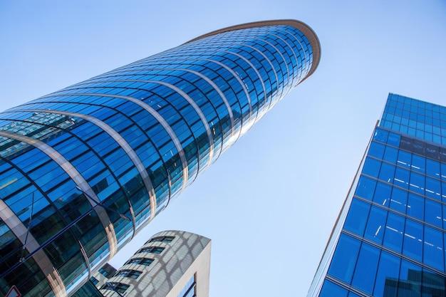 Grands bâtiments modernes en verre à bruxelles, belgique