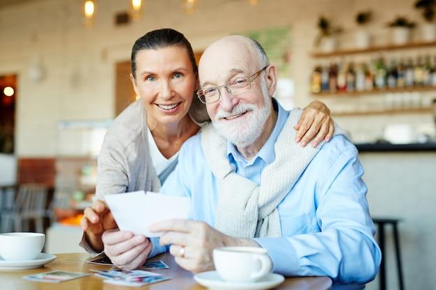 Grands-parents affectueux
