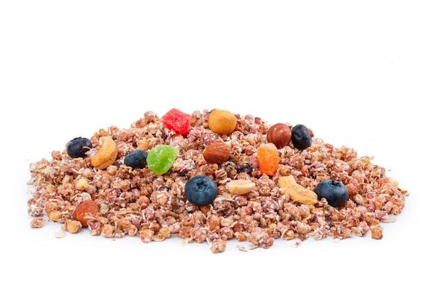 Granola petit-déjeuner sain isolé