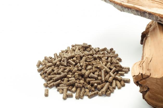 Granulés de bois pour cheminées et poêles