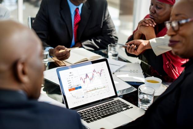 Graphique de l'activité d'analyse de données sur les marchés boursiers d'investissement