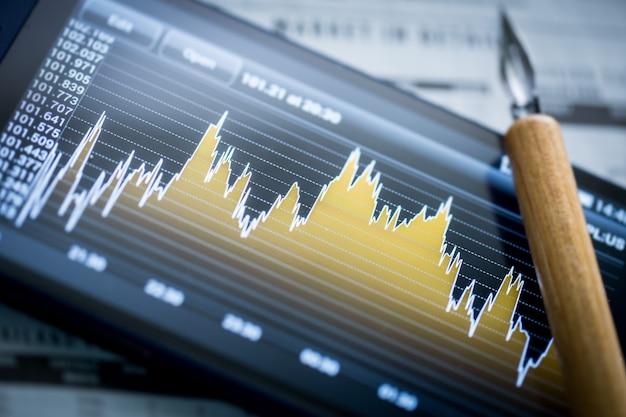 Graphique d'entreprise sur écran numérique