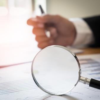 Graphique de graphique boursier. expérience en affaires de finances.