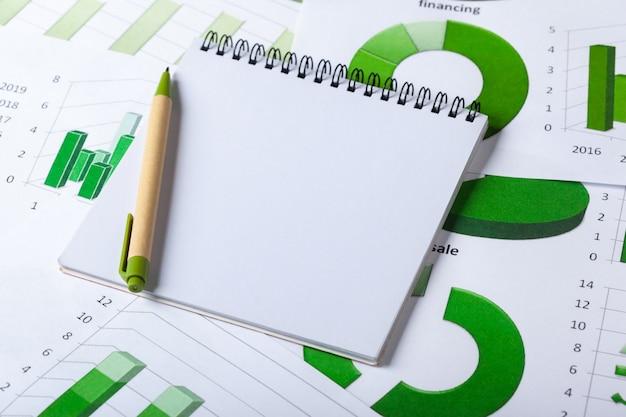 Graphiques d'entreprise vert