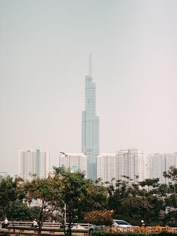 Gratte-ciel au vietnam hauts bâtiments modernes