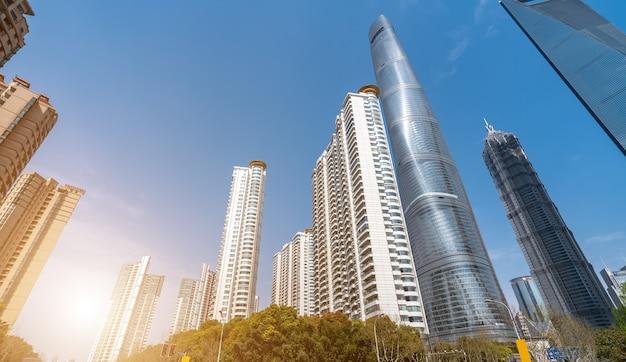 Gratte-ciel dans le quartier financier de shanghai lujiazui
