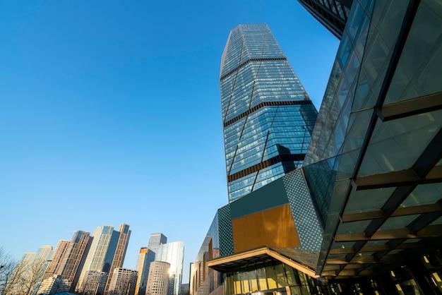 Gratte-ciel urbains modernes et paysages architecturaux