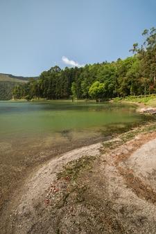 Green lagoon aux açores