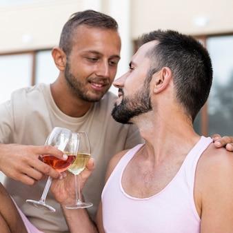 Grillage moyen des hommes
