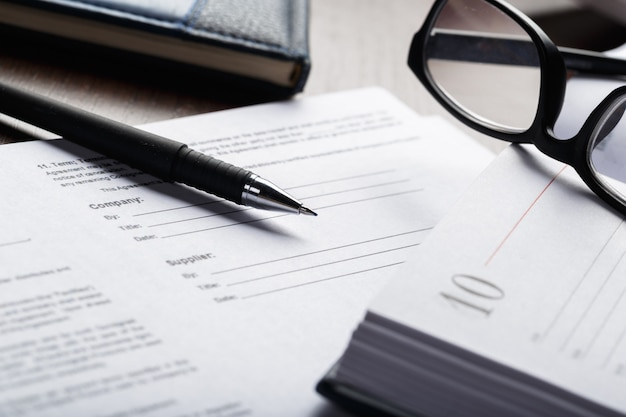 Gros coup de lunettes sur le concept commercial de documents papiers