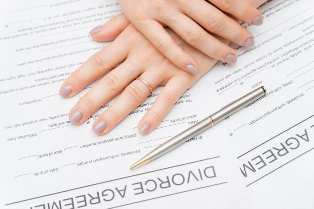 Gros plan sur l'accord de divorce