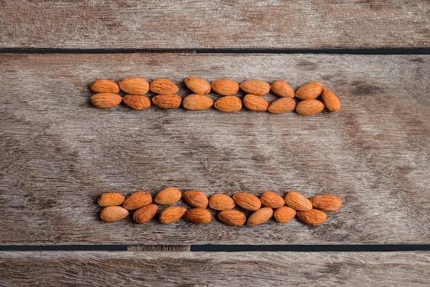 Gros plan d'amandes pelées. pour les végétariens.