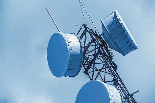 Gros plan d'antenne cellulaire
