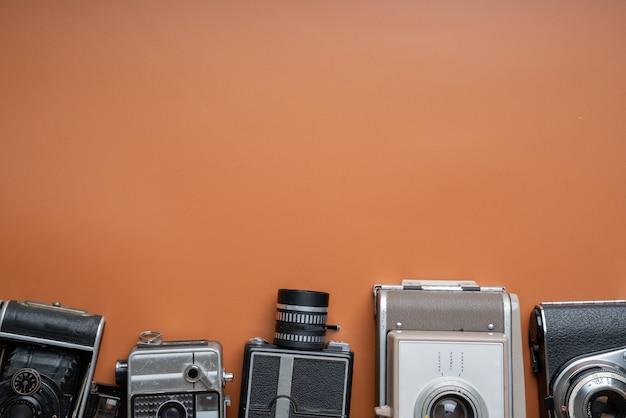 Gros plan de l'appareil photo vintage & rétro dans le studio