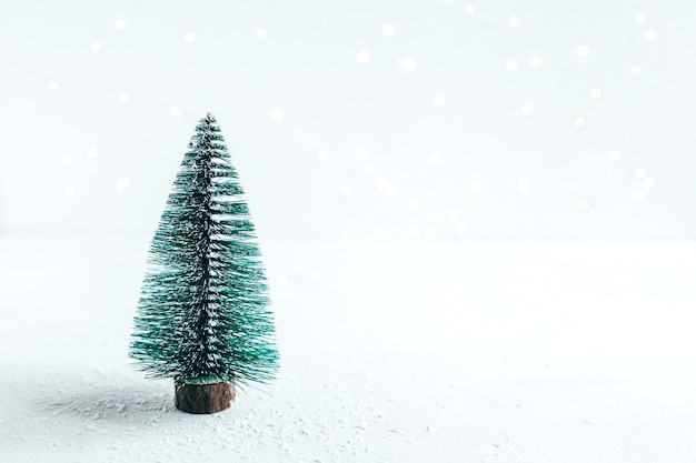 Gros plan, de, a, arbre noël, jouet, sur, a, fond blanc