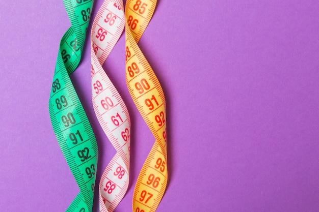 Gros plan de bandes de mesure colorées
