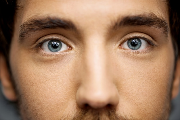 Gros plan, de, beau, yeux bleus, de, homme