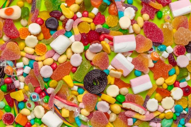 Gros plan de bonbons mélangés