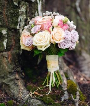 Gros plan de bouquet de mariage.