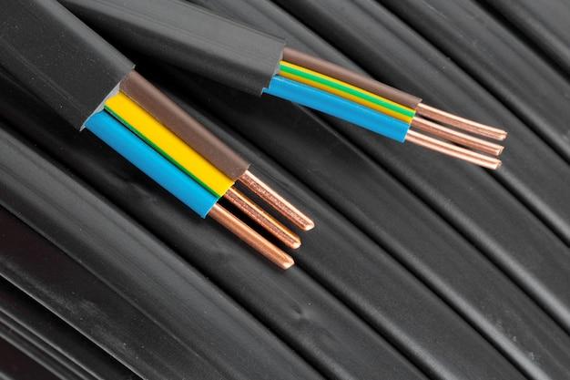 Gros plan de câbles électriques