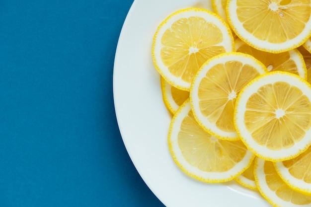 Gros plan de citron fond texturé