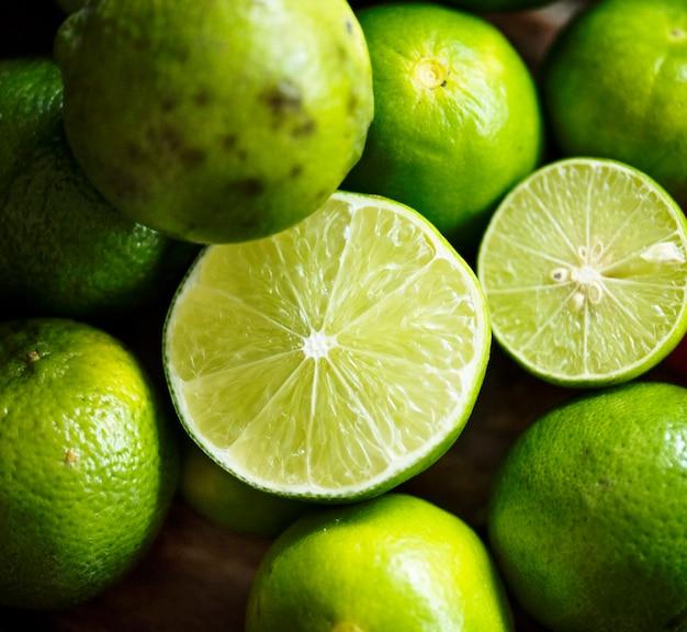 Gros plan de citron vert frais