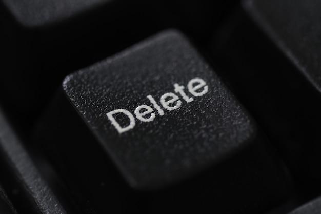 Gros plan d'un clavier noir bouton supprimer