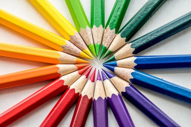 Gros plan, coloré, crayon, papeterie