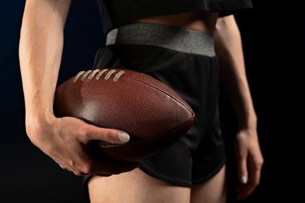 Gros plan sur la composition du ballon de rugby