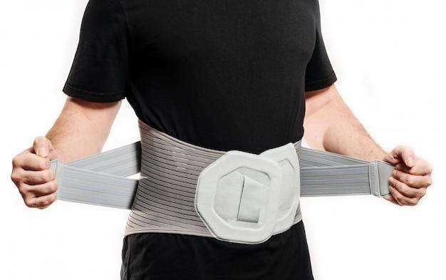 Gros plan de corset orthopédique.