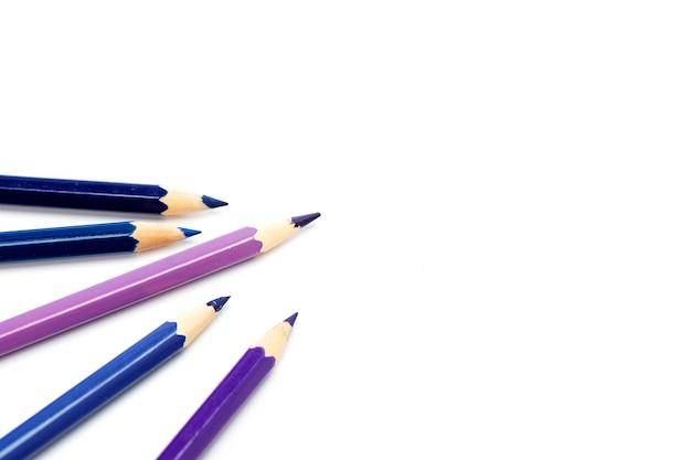 Gros plan, de, crayons couleur, blanc
