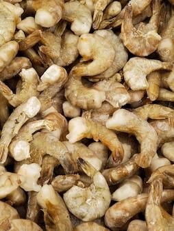 Gros plan de crevettes argentines congelées
