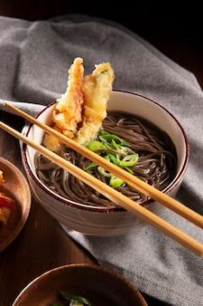 Gros plan sur une délicieuse cuisine asiatique