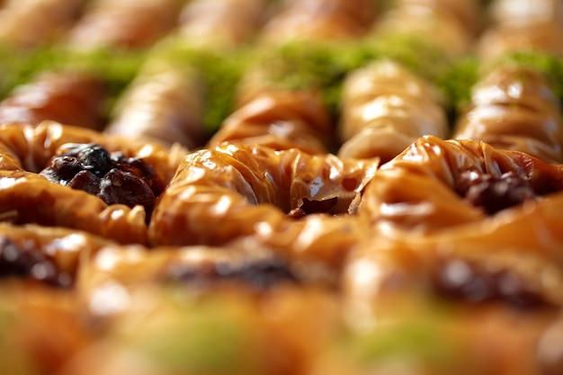 Gros plan de délicieux baklava au buffet d'un hôtel