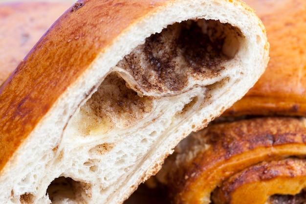 Gros plan d'un délicieux pain de blé frais