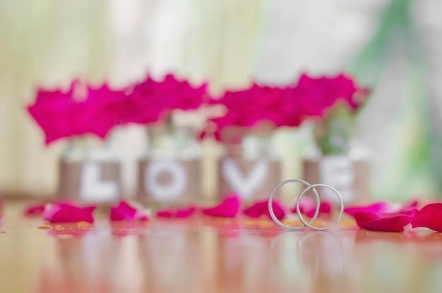 Gros plan, désherber, anneaux, pour, valentin, ou, fond mariage