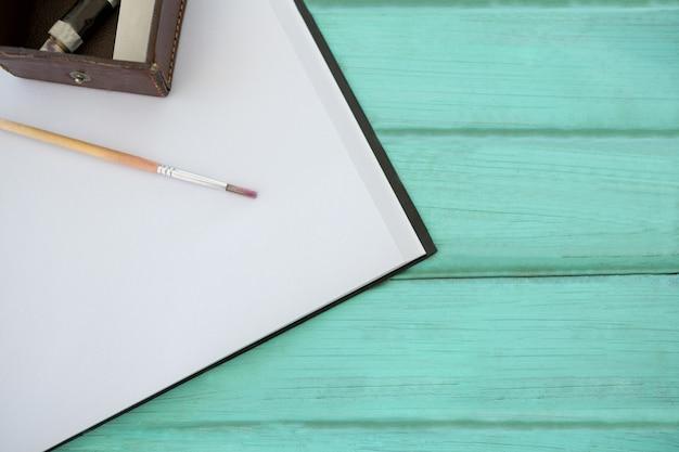Gros plan, de, dessin, équipements, sur, surface bois