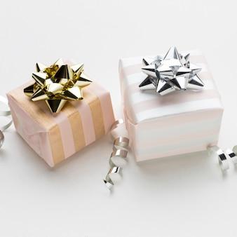 Gros plan deux cadeaux