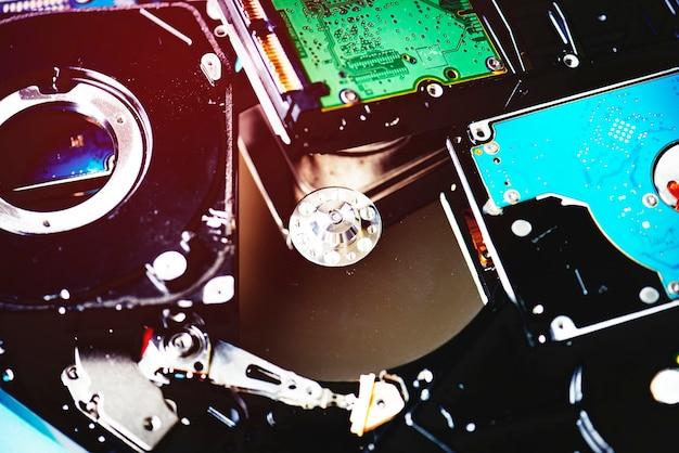 Gros plan de disques durs d'ordinateur