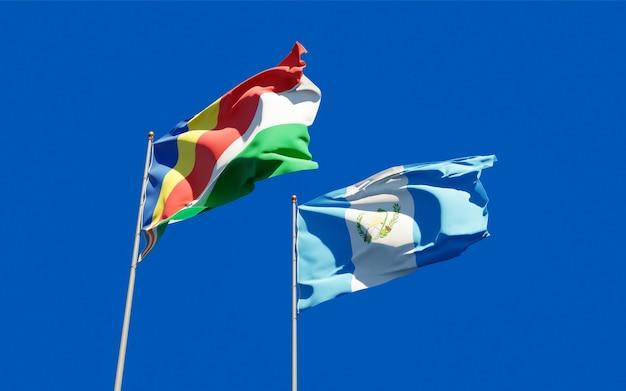 Gros plan sur les drapeaux du guatemala et des seychelles