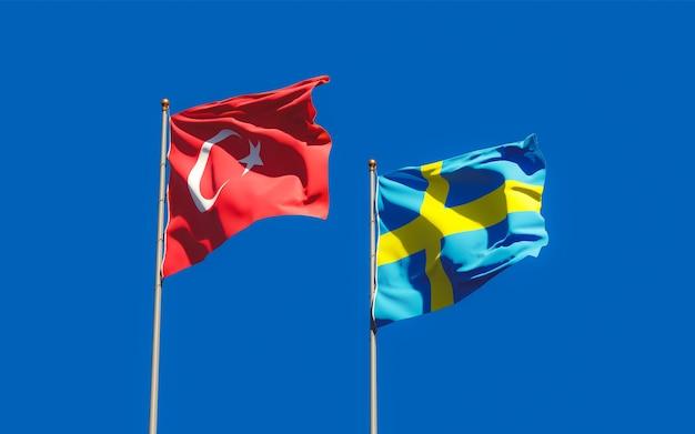 Gros plan sur les drapeaux de la suède et de la turquie