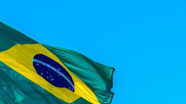 Gros plan du drapeau du brésil avec un espace réservé au texte drapeau brésilien